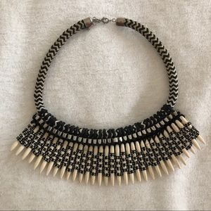 Jewelry - Vintage metal rope shell tribal African necklace